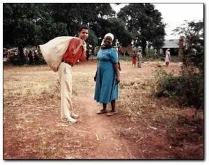 photo de barack obama au Kenya. Il avait 30 ans à l'époque